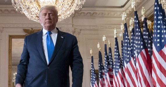 Georgia to trzeci stan, w którym sztab Donalda Trumpa złożył pozew o wstrzymanie liczenia tam głosów oddanych w wyborach prezydenckich - poinformowała agencja AP. Wcześniej podobne pozwy złożone zostały w Pensylwanii i Michigan.