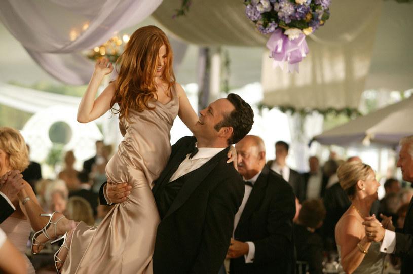"""Nakręcone w 2005 roku """"Polowanie na druhny"""" opowiadało o dwójce przyjaciół, którzy wpraszają się na wesela, by podrywać na nich kobiety. Wcielający się w jedną z głównych ról Vince Vaughn potwierdził, że razem z kolegą z planu, Owenem Wilsonem, prowadzą rozmowy na temat nakręcenia drugiej części tego komediowego hitu."""