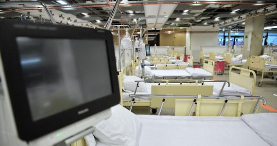 Dzisiaj do szpitala tymczasowego na Stadionie Narodowym trafi pierwszy pacjent z Covid-19: poinformował o tym na konferencji prasowej wczesnym popołudniem premier Mateusz Morawiecki. Dzień wcześniej szpital osiągnął gotowość operacyjną.
