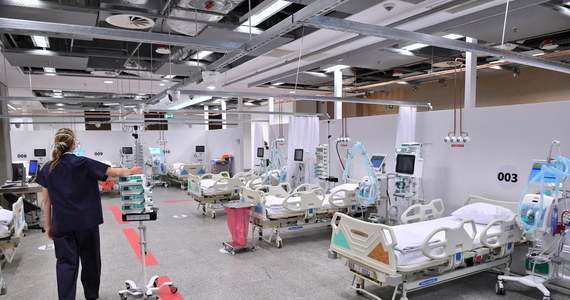 Przedstawiciele PKN Orlen - który odpowiada za powstanie tymczasowego szpitala w Płocku - przekonują, że władze Wojewódzkiego Szpitala Zespolonego w Płocku odmawiają im wsparcia w rekrutacji personelu i organizacji pracy tymczasowej lecznicy. W tej sytuacji koncern zdecydował, że sam szuka lekarzy.