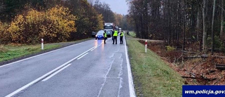 Sąd Rejonowy w Szczytnie podjął decyzję o aresztowaniu na 3 miesiące 36-latka podejrzanego o śmiertelne potrącenie pieszego na DK 57 koło Nowego Gizewa i ucieczkę z miejsca wypadku. Według policji, kierowca był pod wpływem narkotyków.