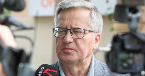 Były prezydent Bronisław Komorowski jest zakażony koronawirusem - poinformował portal Onet. Wczoraj otrzymał pozytywny wynik testu.