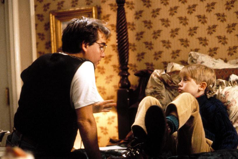 """Latem zeszłego roku pojawiły się pierwsze doniesienia na temat powstania nowej, odświeżonej wersji """"Kevina samego w domu"""". Głos w tej sprawie postanowił teraz zabrać reżyser oryginalnej produkcji, Chris Columbus. Plany nakręcenia reboota swojej kultowej świątecznej komedii nazwał wprost """"stratą czasu""""."""
