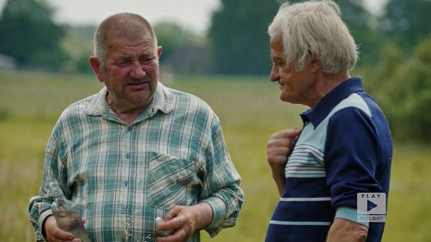 """Bohaterowie programu """"Rolnicy. Tak się żyje u nas na wsi"""" wpadli na niecodzienny sposób. Ich celem stało się wyprodukowanie bardzo drogiej odmiany wołowiny, Wołowiny Kobe."""