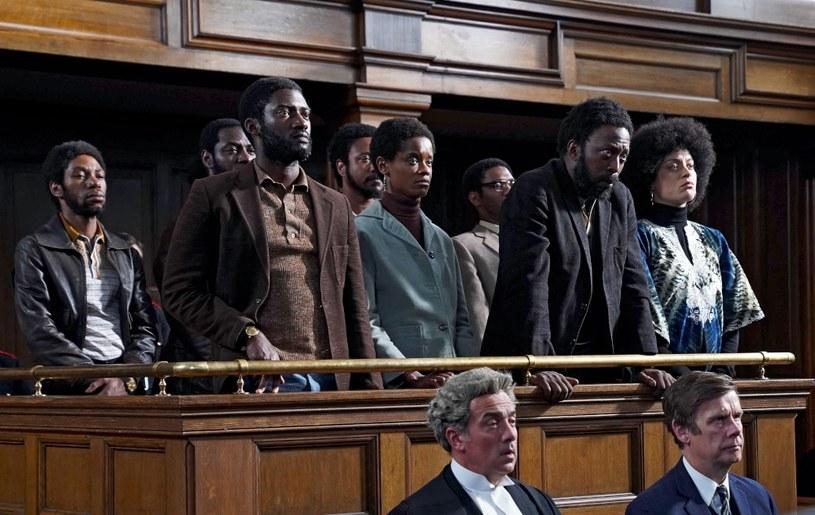 """Antologia """"Mały topór"""" to pięć filmów w reżyserii zdobywcy Oscara Steve'a McQueena, opowiadających o afrokaraibskiej społeczności mieszkającej w Londynie. Pierwszy film już od 16 listopada dostępny jest w HBO GO."""