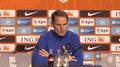 Frank de Boer i Gerginio Wijnaldum przed meczem z Polską. Wideo