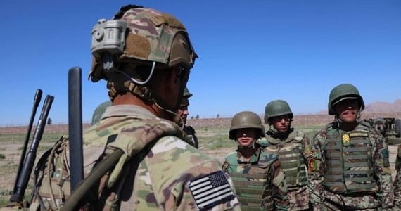 Prezydent USA Donald Trump nakazał Pentagonowi wycofanie do połowy stycznia 2,5 tys. żołnierzy amerykańskich z Afganistanu i Iraku. Informację tę przekazał pełniący obowiązki szefa departamentu obrony USA Christopher Miller.