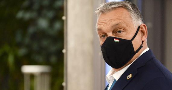 Węgry zawetowały pakiet budżetowy UE zgodnie ze swoim stanowiskiem wyrażonym na lipcowym szczycie Unii Europejskiej - poinformował w oświadczeniu premier Węgier Viktor Orban.