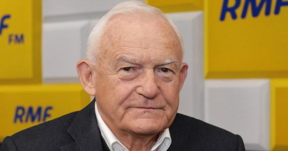 """""""Współczesną praworządność zobaczyliśmy wczoraj w Sejmie, kiedy pan Kaczyński śmieszny, ale i groźny mitoman, miotał groźby w kierunku opozycji"""" - mówi gość Porannej rozmowy w RMF FM Leszek Miller. Pytany o powiązanie unijnego budżetu z praworządnością, odpowiedział: oczywiście, że Polska ma prawo do weta."""
