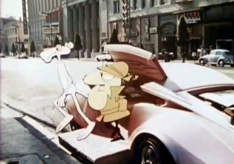 """Po tym jak w filmie """"Sonic. Szybki jak błyskawica"""" Jeff Fowler opowiedział historię tytułowego niebieskiego jeża, teraz w filmie """"Różowa Pantera"""" zaprezentuje nową historię kolejnej kultowej postaci z kreskówek. Studio MGM pracuje właśnie nad kolejnym rebootem legendarnej serii, który zapowiadany jest jako połączenie filmu aktorskiego i animacji komputerowej. Jedną z producentek filmu będzie Julie Andrews, wdowa po Blake'u Edwardsie, twórcy serii """"Różowa Pantera""""."""