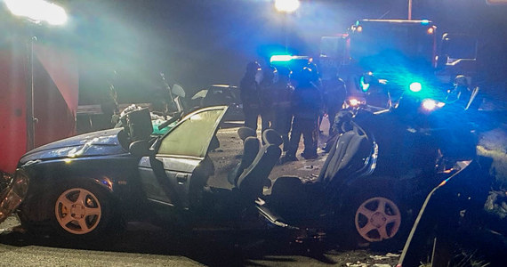 Pięć osób zostało rannych w wypadku w rejonie miejscowości Bierzów w powiecie brzeskim w Opolskiem. Doszło tam do zderzenia dwóch samochodów.