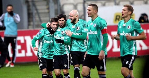 Legia Warszawa pokonała na wyjeździe Cracovię Kraków 1:0 w niedzielnym meczu 10. kolejki ekstraklasy. Dzięki temu awansowała na pierwsze miejsce w tabeli.
