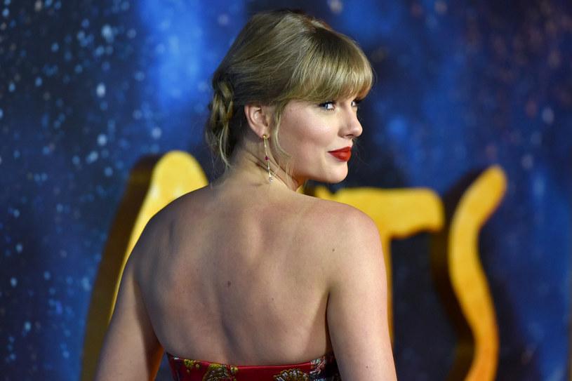 """Taylor Swift w rozmowie z """"Rolling Stone"""" opowiedziała o swojej relacji z aktorem Joe Alwynem."""