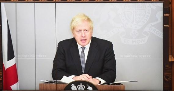 Zdecydowana większość osób najbardziej podatnych na zakażenie koronawirusem mogłaby zostać zaszczepiona przeciwko Covid-19 przed Wielkanocą - powiedział w poniedziałek wieczorem brytyjski premier Boris Johnson.