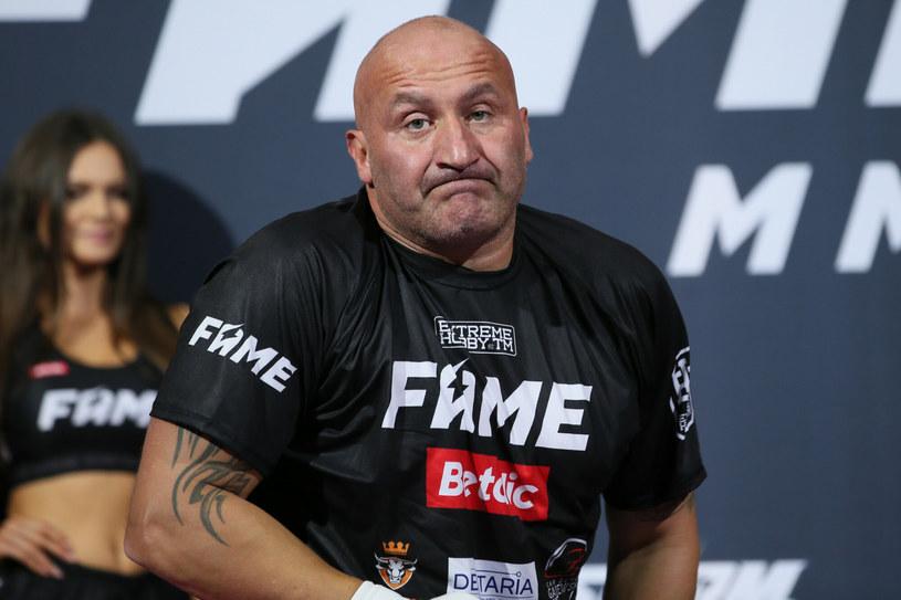 Don Kasjo zdecydował się w nowym utworze odnieść jeszcze raz do zamieszana na sobotniej walce FAME MMA 8, podczas której Marcin Najman został zdyskwalifikowany.