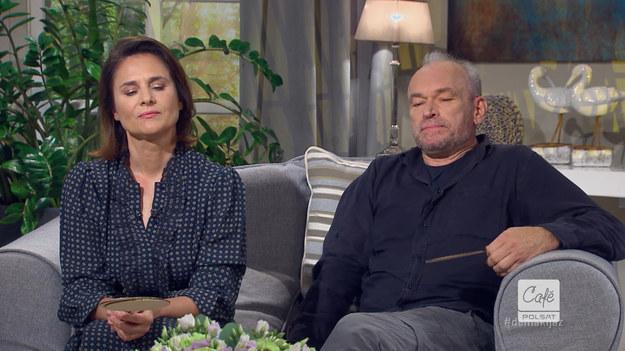 """Krzysztof Ibisz w programie """"Demakijaż"""" zorganizował quiz, w którym małżonkowie musieli wyzbyć się wielu związkowych tajemnic."""