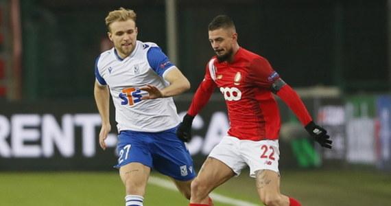 Pilkarze Lecha Poznań po golu straconym w ostatnich sekundach przegrali w Liege ze Standardem 1:2 w czwartej kolejce fazy grupowej Ligi Europy. Awans do 1/16 finału zapewniły już sobie AS Roma, Arsenal Londyn, Leicester City oraz Hoffenheim.