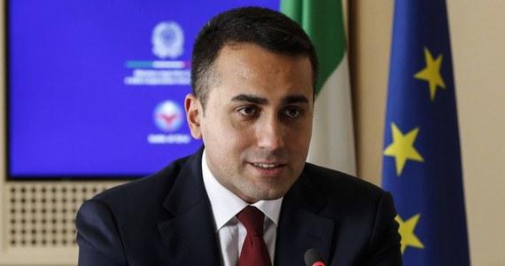 """Szef MSZ Włoch Luigi Di Maio oświadczył w piątek, że jego kraj będzie """"walczyć ze wszystkich sił, by wyeliminować jakiekolwiek weto"""" w sprawie unijnego funduszu odbudowy. """"Cała Europa jest zakładnikiem trzech państw"""" - napisał. W swoim oświadczeniu Di Maio nie wymienił z nazwy żadnego kraju."""