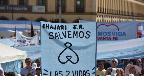 Kilkaset tysięcy osób wzięło udział w manifestacjach przeciwko aborcji w ponad 250 miastach Argentyny. Wydarzenie zostało zorganizowane przez ponad 150 organizacji z całego kraju.