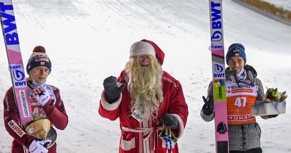 Dziś w fińskiej Ruce odbędzie się kolejny konkurs Pucharu Świata w skokach narciarskich. Do poprzedzających go kwalifikacji przystąpi sześciu Polaków. Wczoraj biało-czerwoni spisali się bardzo dobrze. Piotr Żyła zajął drugie, a Dawid Kubacki trzecie miejsce.