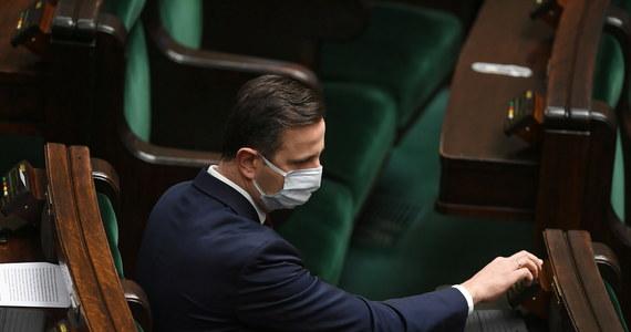 """""""Będziemy zapraszać do Koalicji Polskiej kolejne środowiska, reprezentujące ludzi bardzo ciężkiej pracy, przedsiębiorców; we wtorek do Koalicji Polskiej dołączy nowe środowisko"""" - poinformował prezes PSL Władysław Kosiniak-Kamysz."""