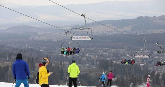 Prezydent Andrzej Duda zadzwonił do mnie i bardzo stanowczo powiedział, że nie zaakceptuje zamknięcia stoków; zaapelował też, abym wypracował, wraz z branżą narciarską, specjalne procedury sanitarne, co też się stało - ujawnił w poniedziałek wicepremier Jarosław Gowin.