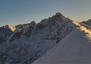 Ciekawa sytuacja pogodowa w Tatrach. Na szczytach cieplej niż w Zakopanem