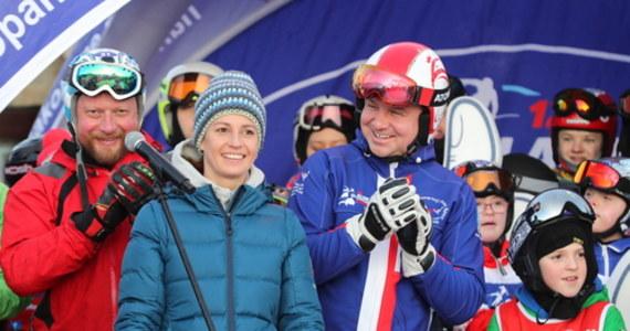 """""""Prezydent Andrzej Duda jest miłośnikiem narciarstwa, więc jest zainteresowany, żeby wyciągi działały"""" - ocenił szef klubu PiS, wicemarszałek Sejmu Ryszard Terlecki."""