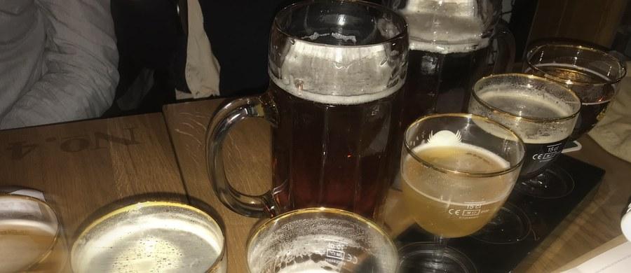 """Kłopoty z koncentracją i uwagą to jeden z najczęściej odczuwanych objawów spożycia alkoholu. Naukowcy z University of Texas Health Science Center w San Antonio odkryli mechanizm, który za tym stoi. Na łamach czasopisma """"Nature Communications"""" piszą dziś, że alkohol prowadzi do blokowania wydzielania w mózgu istotnego neuroprzekaźnika, norepinefryny. To rozpoczyna całą kaskadę zdarzeń."""