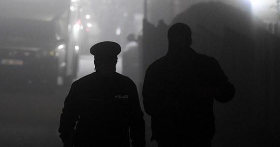 Słowacka Krajowa Agencja Kryminalna NAKA przesłuchała i zatrzymała w środę grupę obecnych i byłych funkcjonariuszy policji oraz służb specjalnych i administracji podatkowej. Zarzuty dotyczące m.in. korupcji usłyszało osiem osób, z których sześć zatrzymano.