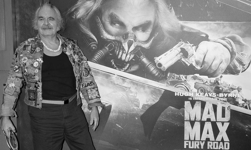 """Hugh Keays-Byrne nie żyje. Brytyjsko-australijski aktor najbardziej znany był z ról w filmach George'a Millera - """"Mad Max"""" z 1979 roku i """"Mad Max: Na drodze gniewu"""" z 2015 roku. Miał 73 lata."""