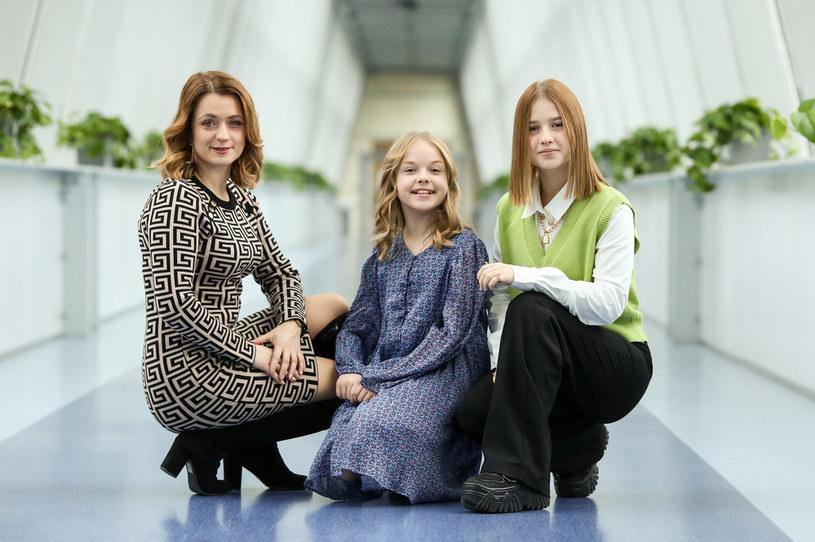 """Ala Tracz, tegoroczna reprezentantka Polski na Eurowizji Junior, oraz jej siostra Ola, która pokazała się szerszej publiczności w trzeciej edycji """"The Voice Kids"""", przygotowały kolejny wspólny utwór. Tym razem to piosenka wydana specjalnie na święta Bożego Narodzenia."""