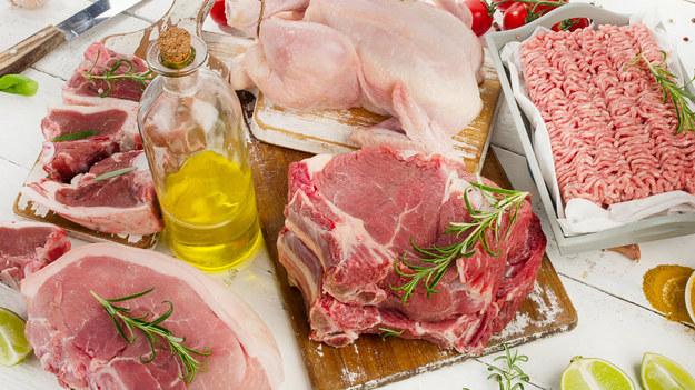 Mimo że dieta lekkostrawna zalecana jest zwykle przez lekarza, z pewnością pozytywnie wpłynie na zdrowie każdego z nas. Jakie mięso wybrać, by zawierało mało tłuszczu, dużo białka i nie obciążało naszego organizmu?