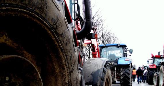 Nad ranem rolnicy zablokowali skrzyżowanie ul. Płockiej z Kasprzaka w Warszawie. Protestujący do stolicy przyjechali ciągnikami. Łącznie było kilkanaście traktorów. Protest zakończył się po godzinie 8:00.
