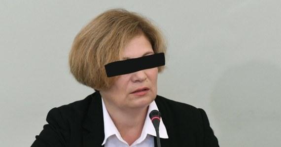 Prokuratura Okręgowa w Legnicy skierowała do Sądu Rejonowego Gdańsk-Północ w Gdańsku akt oskarżenia przeciw prokurator Barbarze K. Kobieta prowadziła i nadzorowała postępowanie w sprawie spółki Amber Gold w latach 2009-2012 - informuje prokuratura.