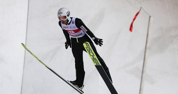 Norweg Halvor Egner Granerud wygrał konkurs Pucharu Świata w skokach narciarskich w Niżnym Tagile. Najlepszy z Polaków - Aleksander Zniszczoł - wywalczył szóste miejsce.