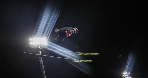 """Z powodu słabej formy ze startu w zbliżających się mistrzostwach świata w lotach narciarskich w Planicy zrezygnował Simon Ammann. 39-letni Szwajcar, który jest czterokrotnym mistrzem olimpijskim, w tym sezonie Pucharu Świata nie zdołał ani razu awansować do czołowej """"30""""."""