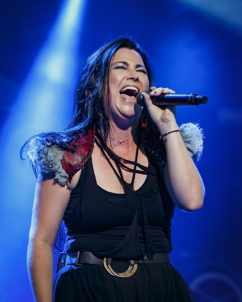 """Evanescence szykują się do premiery albumu """"The Bitter Truth"""", ich pierwszej płyty od dekady. Chociaż pandemia mocno namieszała w ich planach, zespół postanowił udostępnić live session ze studia, w którym powstawał album. Takie rozwiązanie okazało się wszystkim, co na ten moment mogliśmy sobie wymarzyć."""