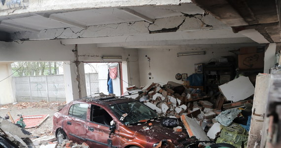 W nocy z czwartku na piątek, po wybuchu w jednym z garaży w Łodzi, spłonęły się cztery auta.