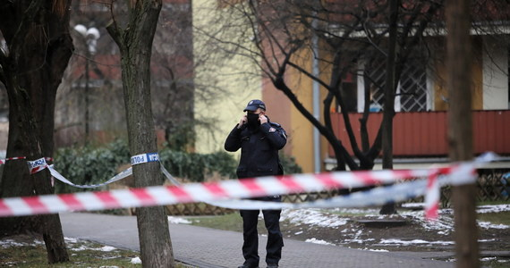 Ewakuacja w warszawskich Włochach. Powodem jest znalezienie granatów w piwnicy jednego z bloków. Po kilku godzinach mieszkańcy mogli jednak z powrotem wrócić do mieszkań.