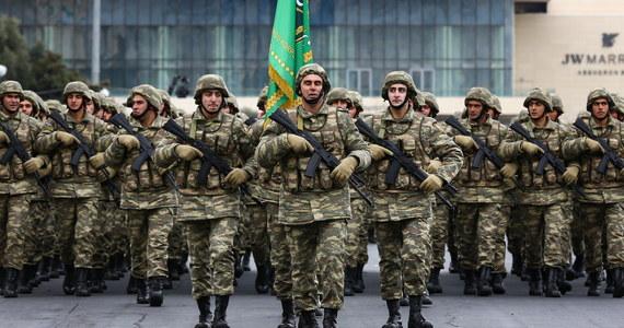 Azerbejdżan wznowił w sobotę działania ofensywne na południu Górskiego Karabachu – poinformowało ministerstwo obrony Armenii. Od 10 listopada w tym separatystycznym regionie obowiązuje zawieszenie broni.