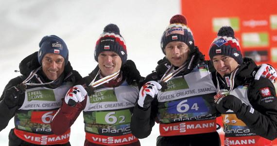Polscy skoczkowie narciarscy zdobyli brązowy medal mistrzostw świata w lotach w Planicy. Złoto wywalczyli Norwegowie, a srebro Niemcy.