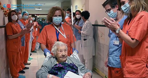 Madrycki szpital Gregorio Maranon opuściła 104-letnia pacjentka. Po kilkutygodniowym pobycie w tej placówce została uznana za wyleczoną z Covid-19. To kolejna 100-latka, która pokonała to ciężkie zapalenie płuc.