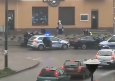 Pościg pod Pułtuskiem. Policjanci 35 km ścigali włamywaczy