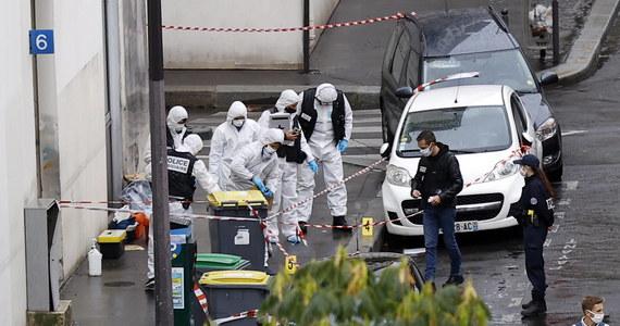 """Sąd w Paryżu skazał zaocznie na 30 lat więzienia Hayat Boumeddiene za finansowanie terroryzmu i udział w grupie terrorystycznej. To jedna z 14 osób skazanych za współudział w atakach na tygodnik """"Charlie Hebdo"""" oraz supermarket w stolicy Francji pięć lat temu."""