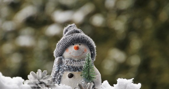 Szansa, że będzie śnieg w święta wynosi 20 proc. - wyliczyli synoptycy. Według danych IMGW z pewnością możemy stwierdzić, że nadchodzące święta Bożego Narodzenia nie będą tak chłodne jak te w 2002 roku. A były one najchłodniejsze w ostatnim 30-leciu.