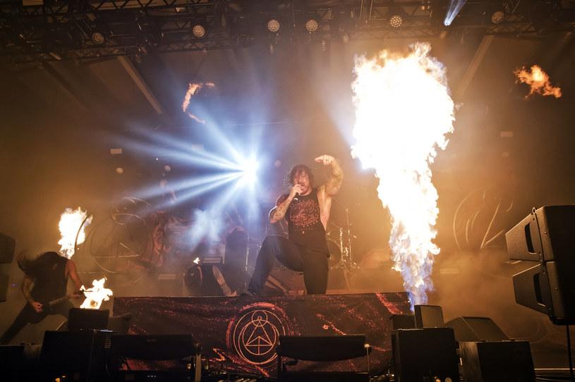 Wokalista As I Lay Dying – Tim Lambesis trafił do szpitala z ciężkimi poparzeniami. Mężczyzna ucierpiał podczas wypadku przy rozpalaniu ogniska.