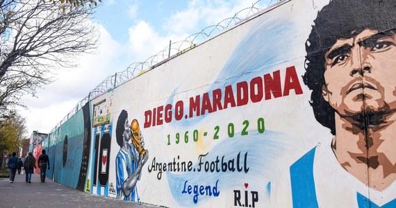 """Ciało piłkarza Diego Maradony """"musi zostać zachowane"""" na wypadek, gdyby jego DNA było potrzebne w ewentualnych sprawach o ustalenie ojcostwa - zdecydował sąd w Buenos Aires."""