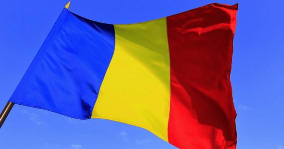 Polska goni Zachód - słyszymy o tym nieustannie od rządzących, którzy podkreślają, że to szczególna zasługa obecnej ekipy i jej dbałości o zwykłego człowieka. Szef rządu wielokrotnie powtarzał, że jeśli chodzi o poziom życia, to zostawiliśmy już w tyle Greków i skracamy dystans do Hiszpanów i Włochów. To prawda, ale większe powody do chwalenia się wydają się mieć władze Rumunii. Nowe unijne porównanie wskazuje, że to Rumunia, a nie Polska jest wschodnioeuropejskim czempionem wzrostu poziomu życia.