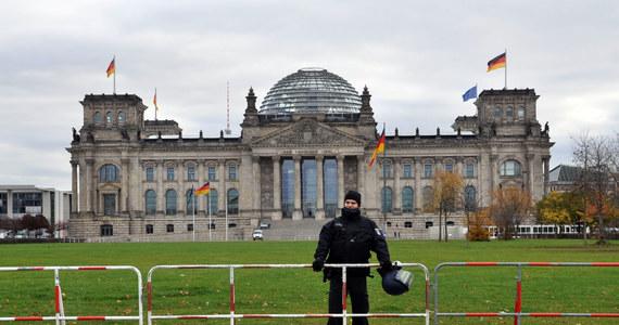 """Po tym, jak niemiecki Trybunał Konstytucyjny uchylił zakaz komercyjnej eutanazji, posłowie Bundestagu zajmą się opracowaniem nowych regulacji prawnych o """"samostanowieniu o śmierci"""" - podaje telewizja ARD."""